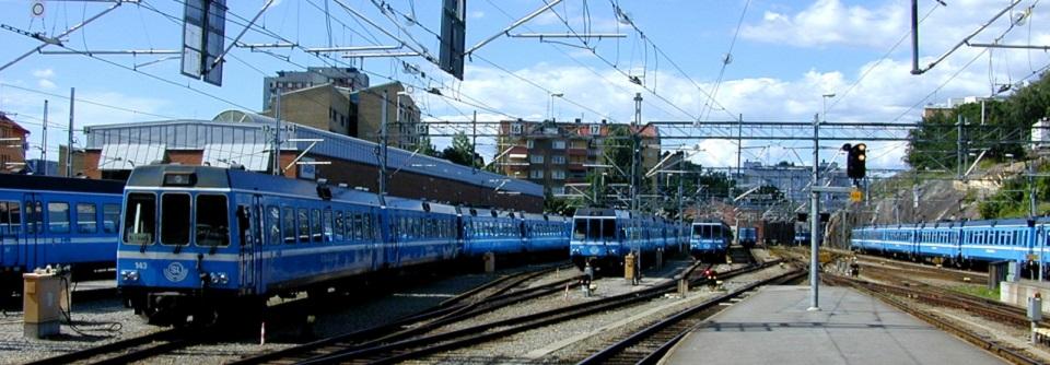 Tåg på spåren vid Stockholm Södra